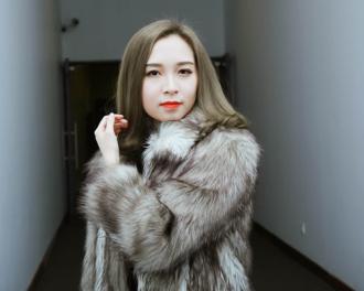 Con gái xinh như hoa hậu nhà NSƯT Chí Trung