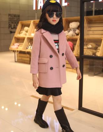 Kiểu áo khoác đẹp và ấm mặc vào là sành điệu