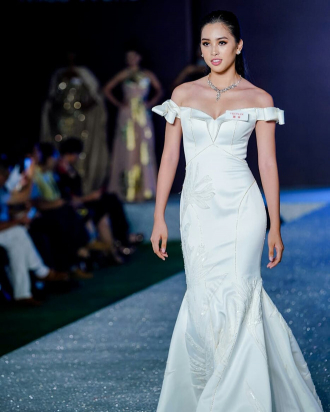 Lộ diện chiếc đầm lộng lẫy của Hoa hậu Tiểu Vy