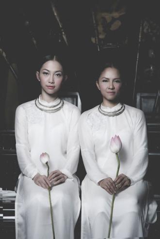 Phong cách thời trang cá tính của mẹ ruột Linh Nga