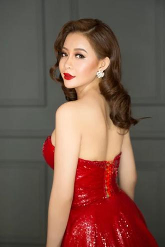 Hoa hậu Hải Dương lộng lẫy với đầm dạ hội gợi cảm