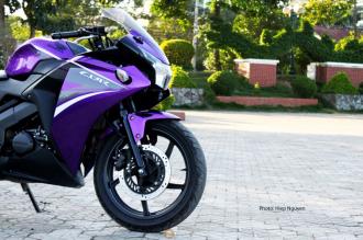 Honda CBR150 phiên bản Candy Violet lạ mắt