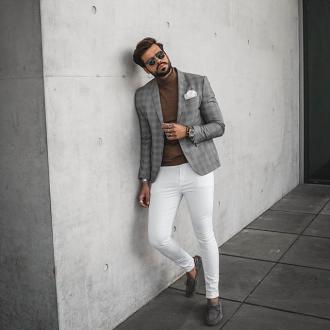Bắt trend với quần jeans trắng giúp chàng xuống phố tự tin
