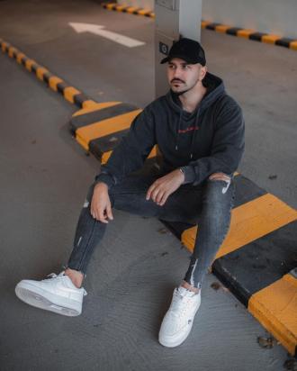 Cảm hứng phối đồ streetwear cho chàng thêm nổi bật tự tin