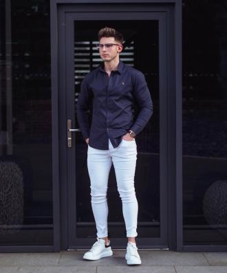 3 cách phối áo sơ mi xanh navy giúp chàng nổi bật tự tin
