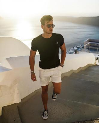 5 tips phối quần short trắng cực sành điệu từ Jonas Maier